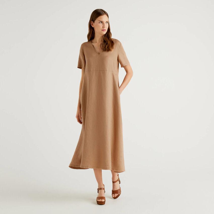 Langes Kleid aus 100% Leinen