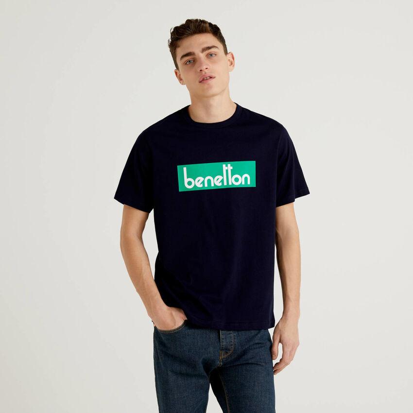Dunkelblaues T-Shirt mit Logoprint