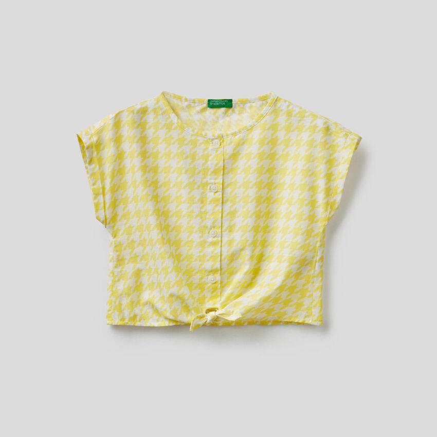 Cropped-Bluse mit Knoten
