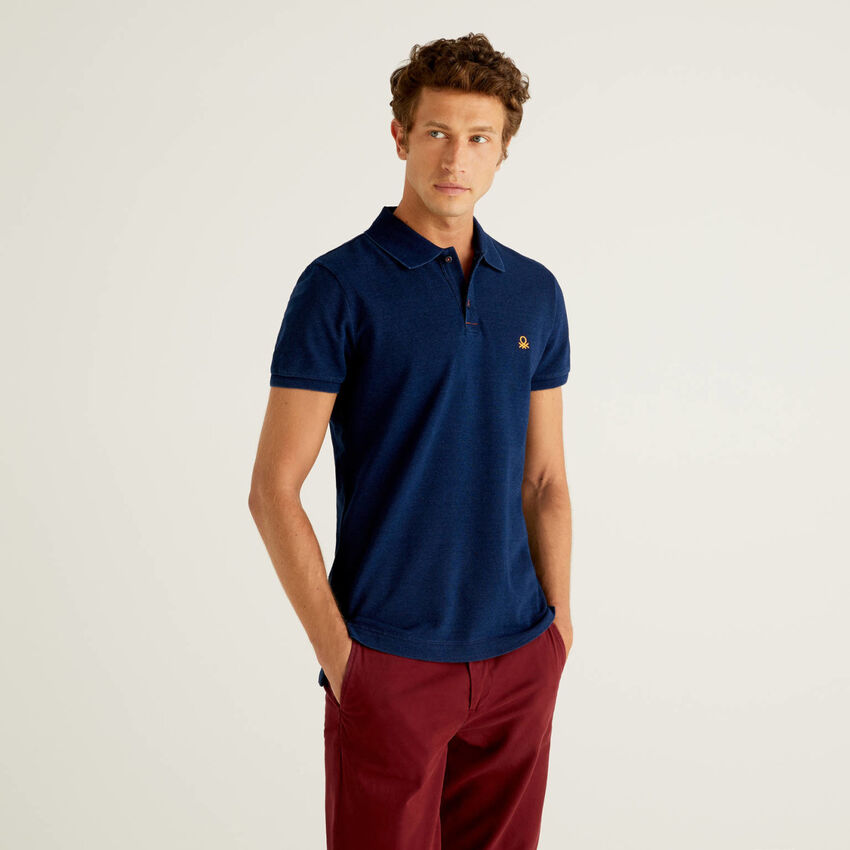 Polo aus reiner Baumwolle mit Indigo-Färbung