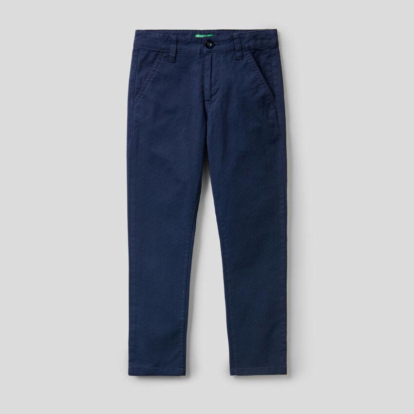 Hose aus stretchiger Baumwolle mit Print