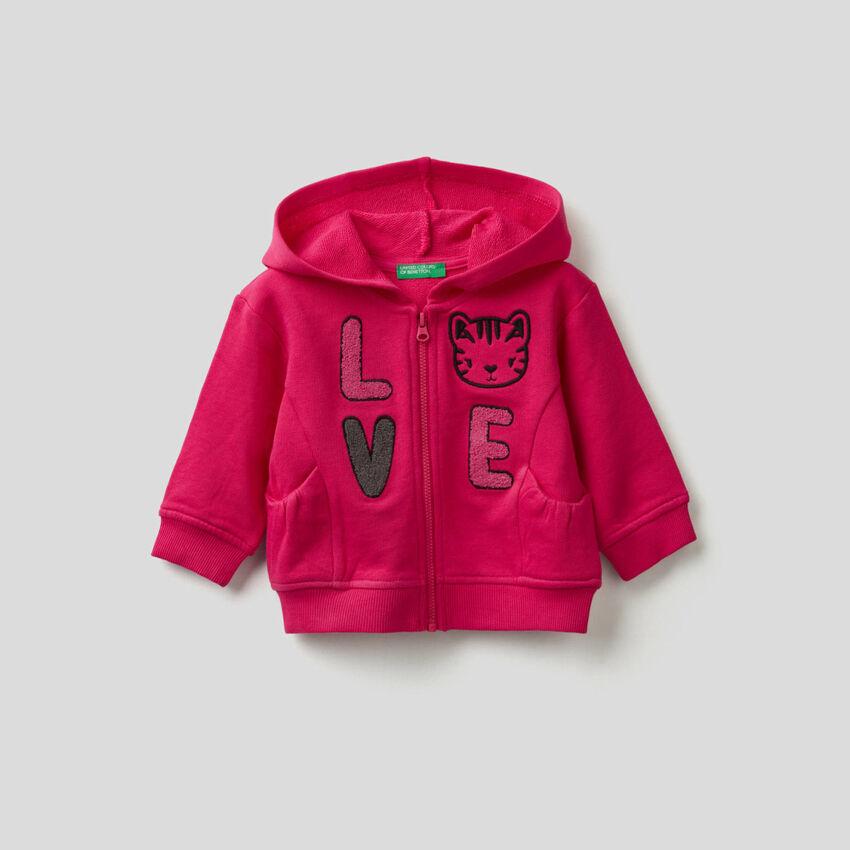Sweatshirt mit Kapuze und Maxi-Stickerei