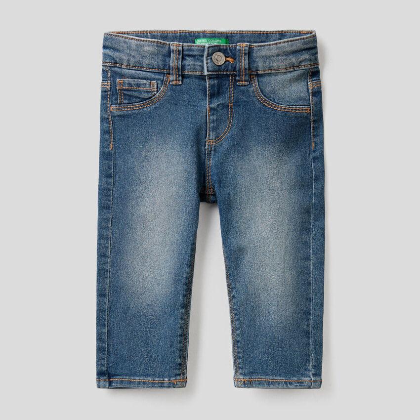 Jeans in einer stretchigen Baumwollmischung