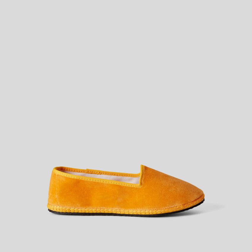 Gelbe Friulane aus Samt