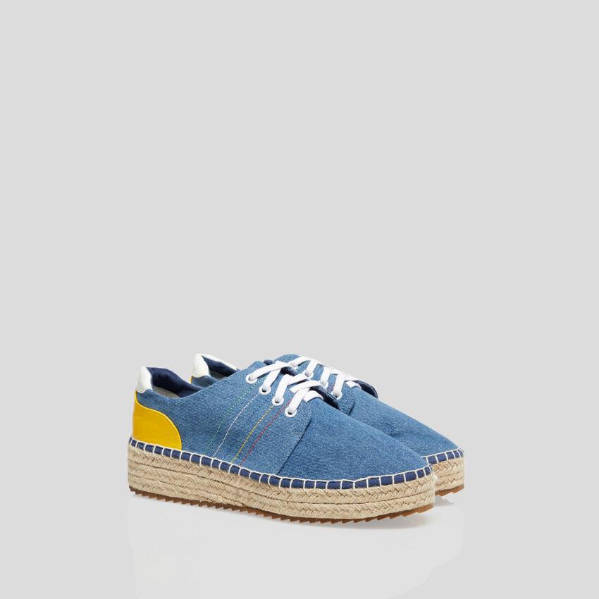 Sneakers mit Details in Kordel