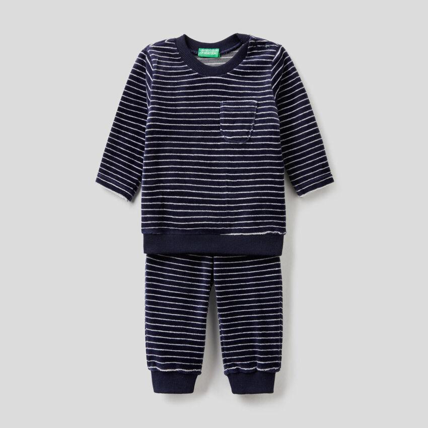 Pyjama aus Chenille mit Muster