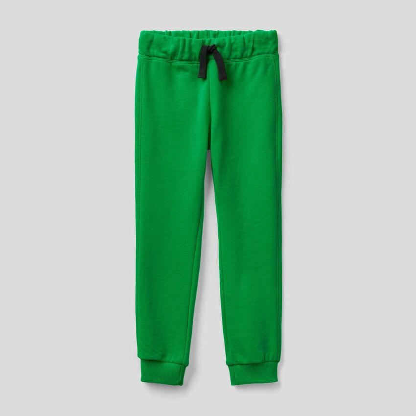 Grüne Hose aus Sweatstoff in 100% Baumwolle