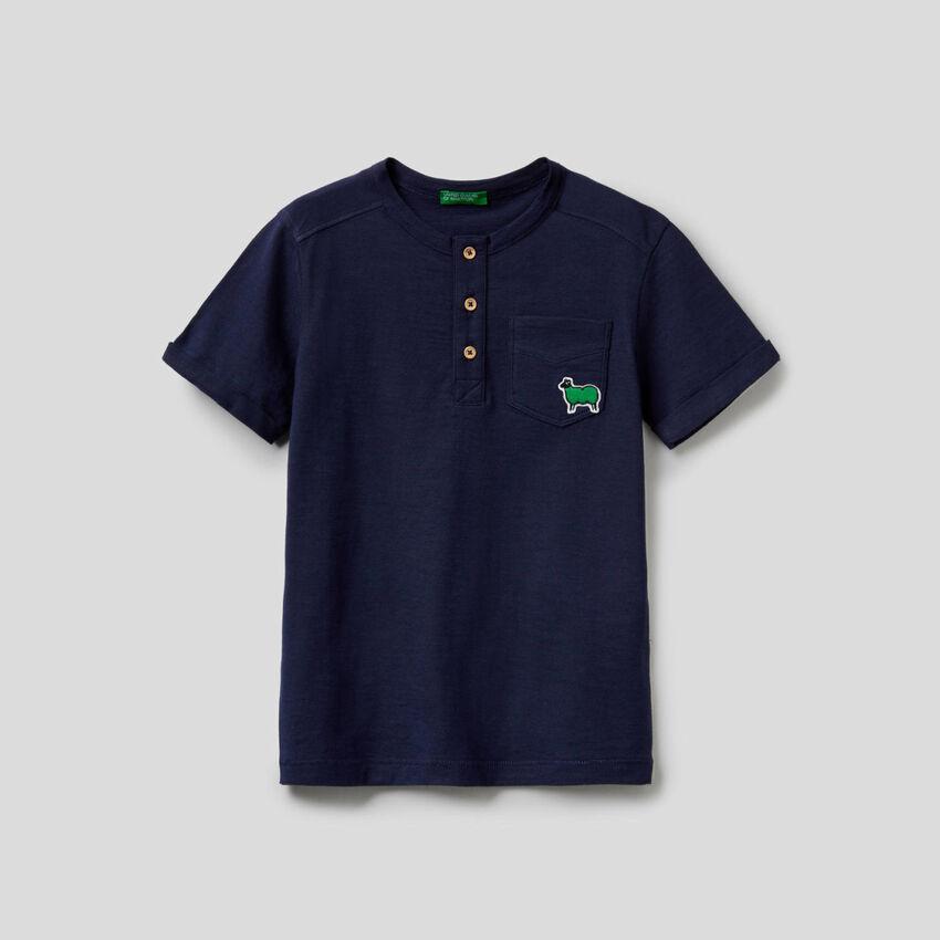 Henleyshirt in reiner Baumwolle mit Rundausschnitt