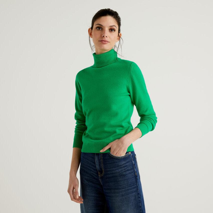Grüner Rollkragenpullover aus reiner Schurwolle