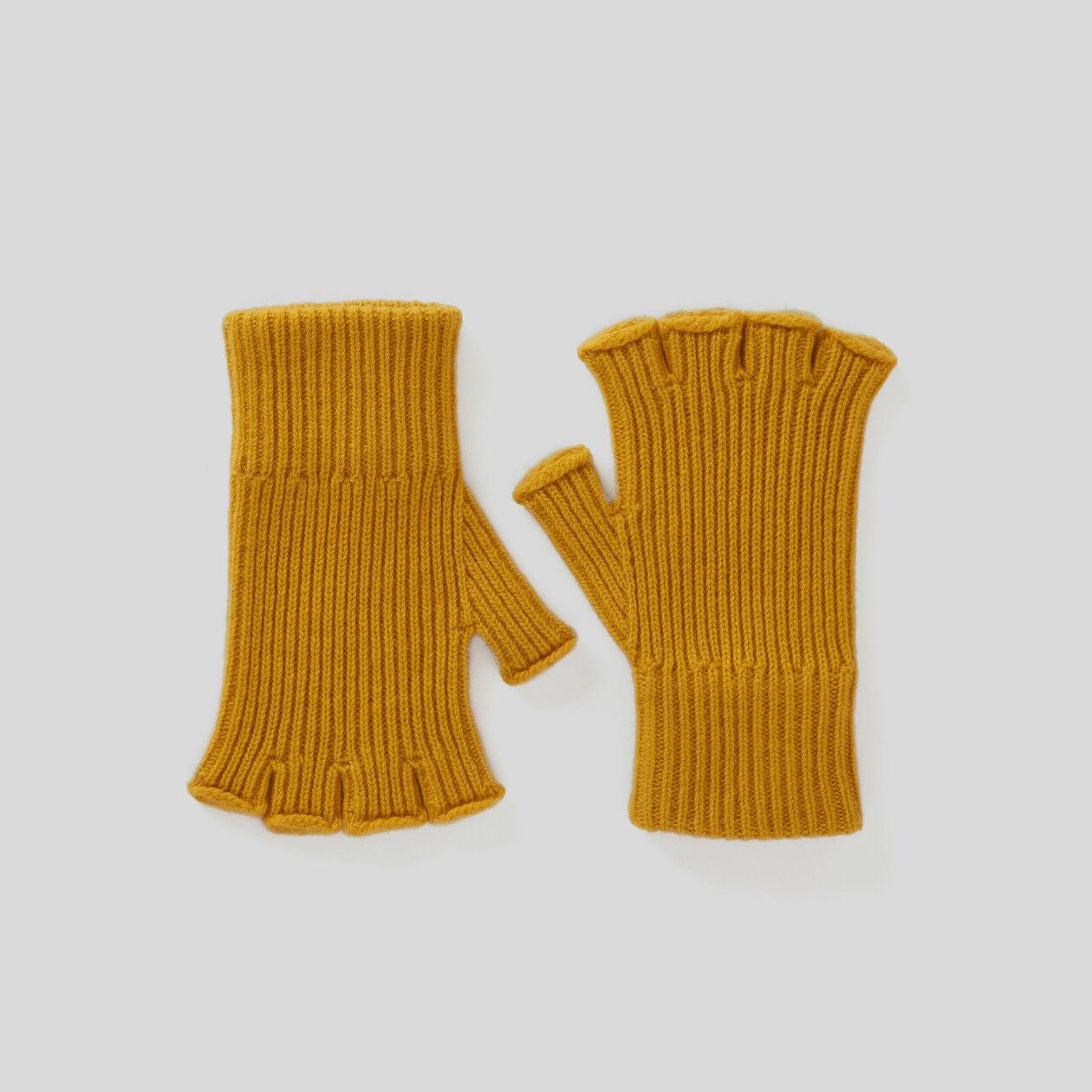 Fingerlose Handschuhe im Rippenmuster