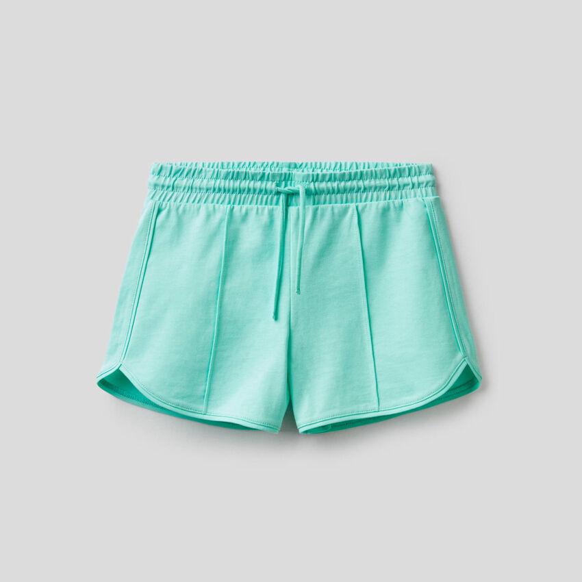 Einfarbige Shorts aus reiner Baumwolle