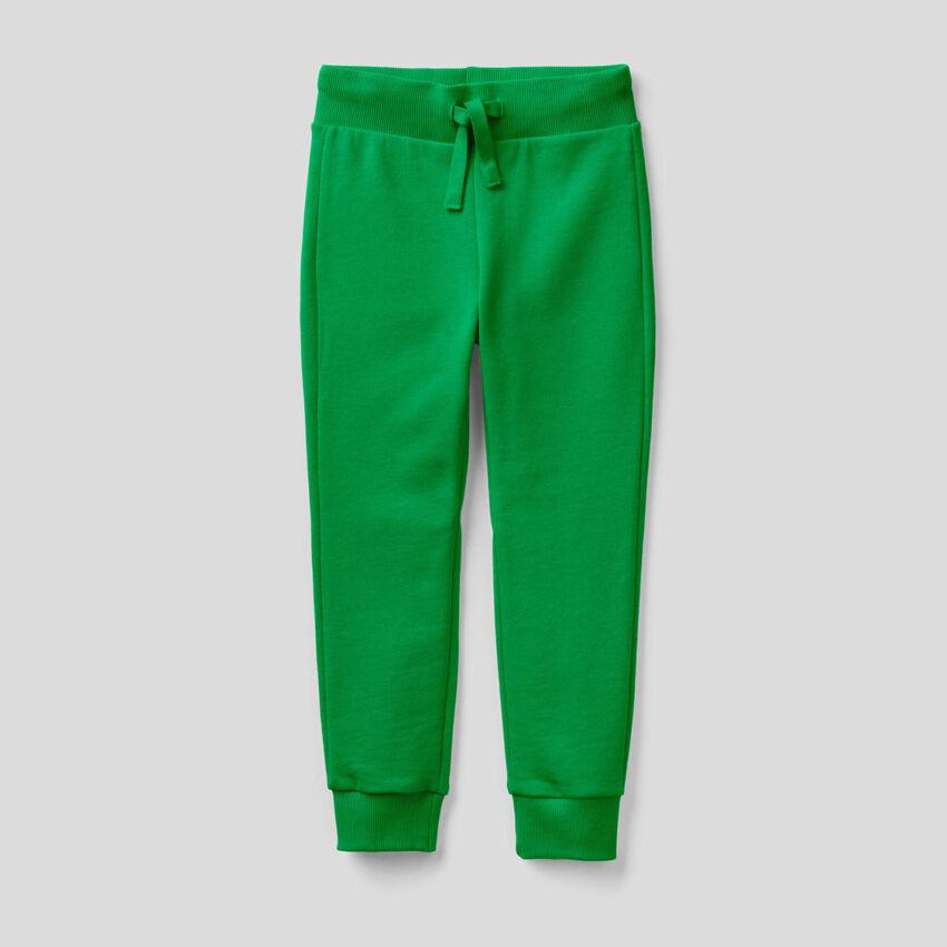 Sporthose aus Sweatstoff in Grün