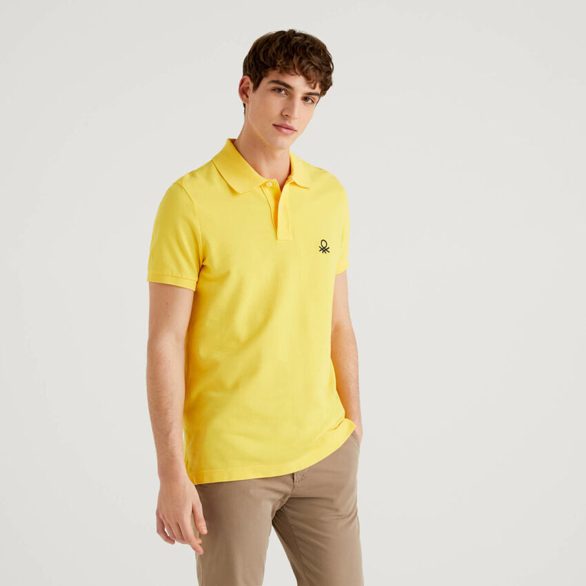 Gelbes Slim-Fit-Polo