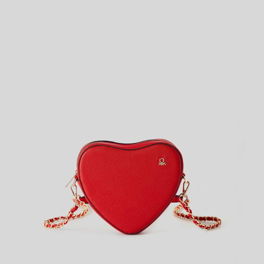 Herzfoermige Tasche mit Schulterriemen