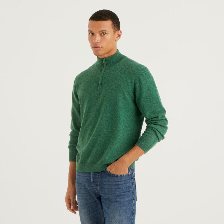 Dunkelgrüner Pullover aus 100% Schurwolle mit Reißverschluss