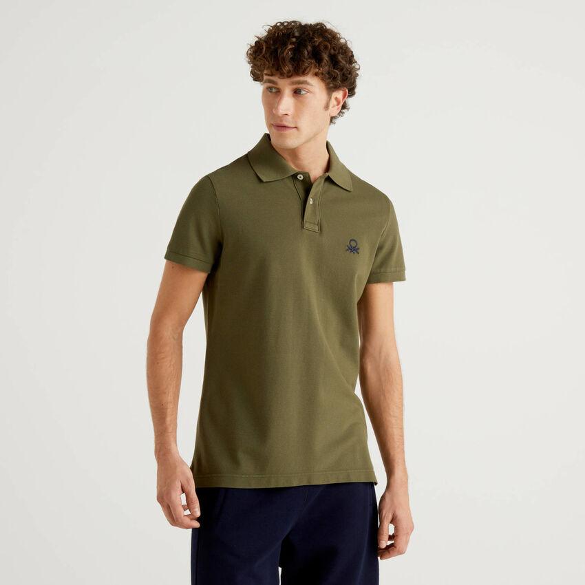 Militärgrünes Slim-Fit-Polo