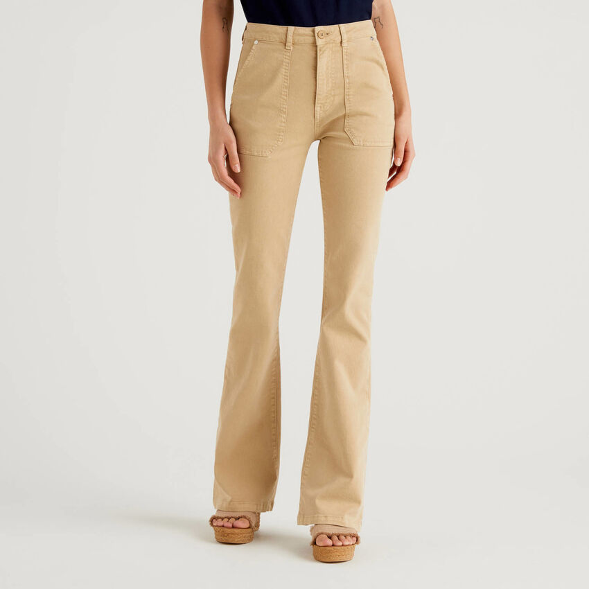 Hose aus Baumwolle mit natürlicher Färbung