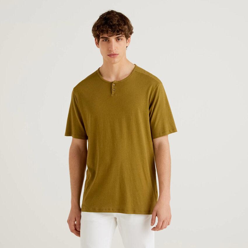 Henley-Shirt aus einer Leinenmischung