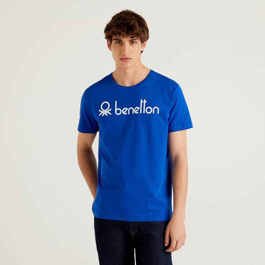 T-Shirt mit kurzen Ärmeln und aufgedrucktem Logo