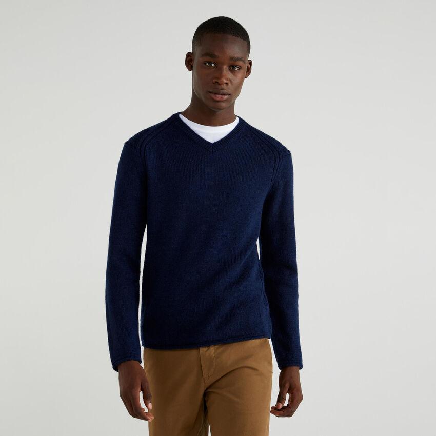 Pullover mit V-Ausschnitt aus Mischwolle