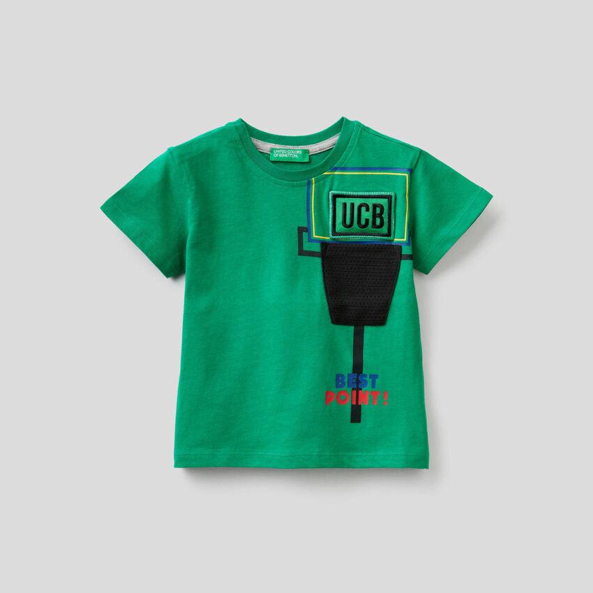 T-Shirt mit Klang-Aufnäher