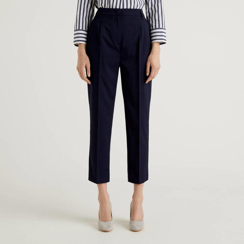 Klassische Hose aus stretchigem Stoff