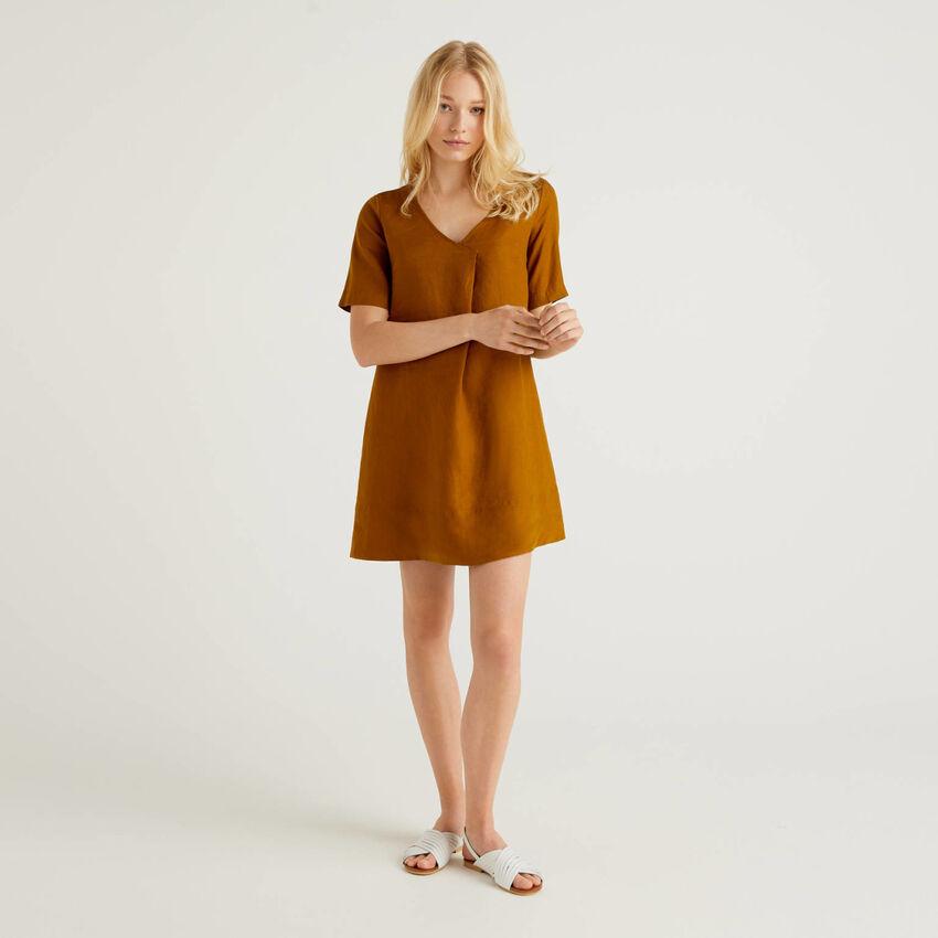 Kurzes Kleid aus reinem Leinen