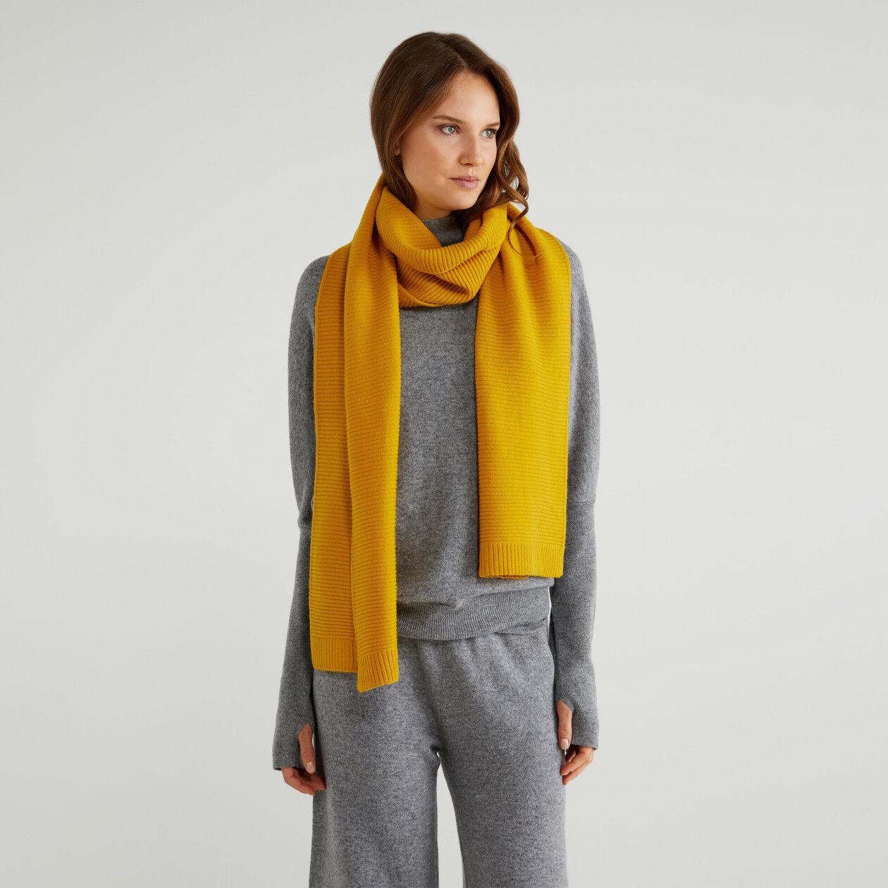 Schal aus einer Wollmischung