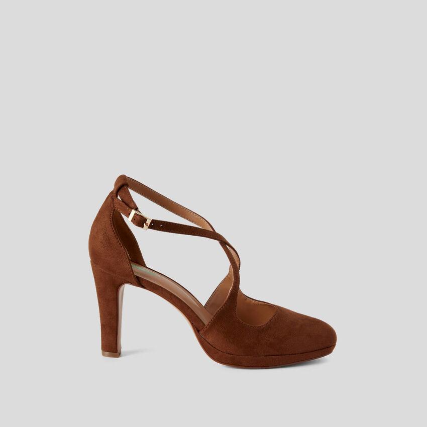 Sandalen mit Absatz und Plateausohle