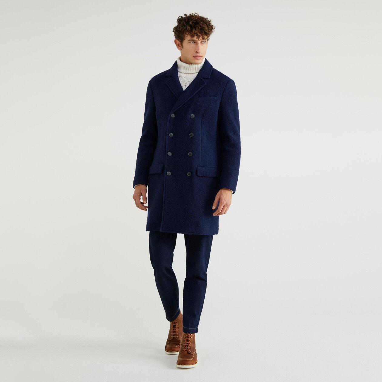 Doppelreihiger Mantel aus gewalkter Wolle