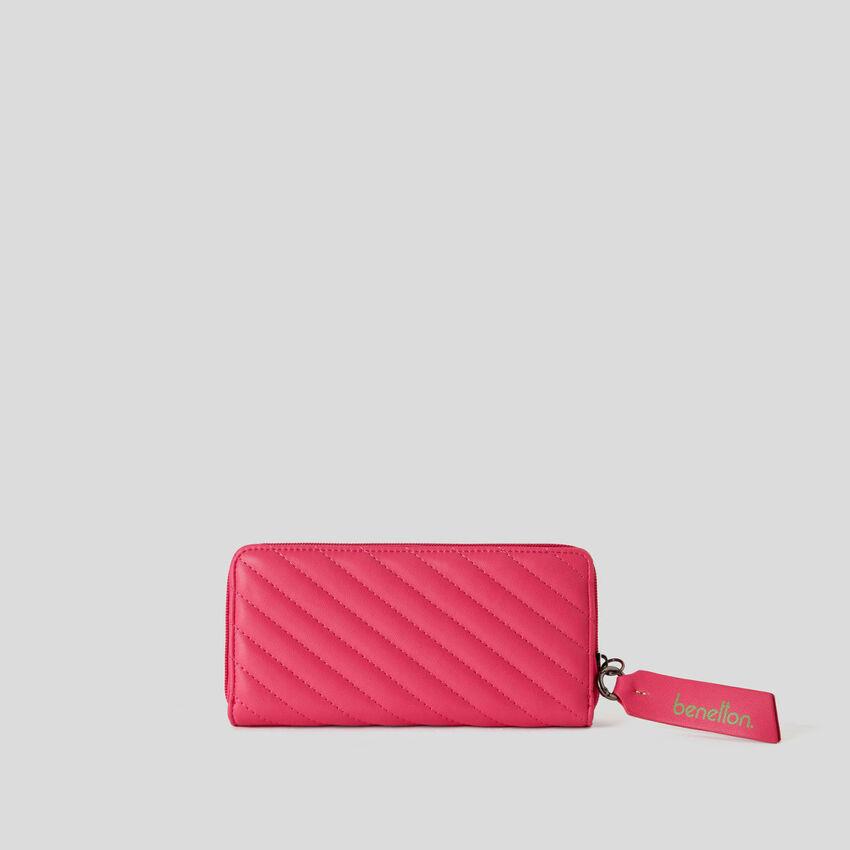 Brieftasche mit gehämmertem Streifendesign