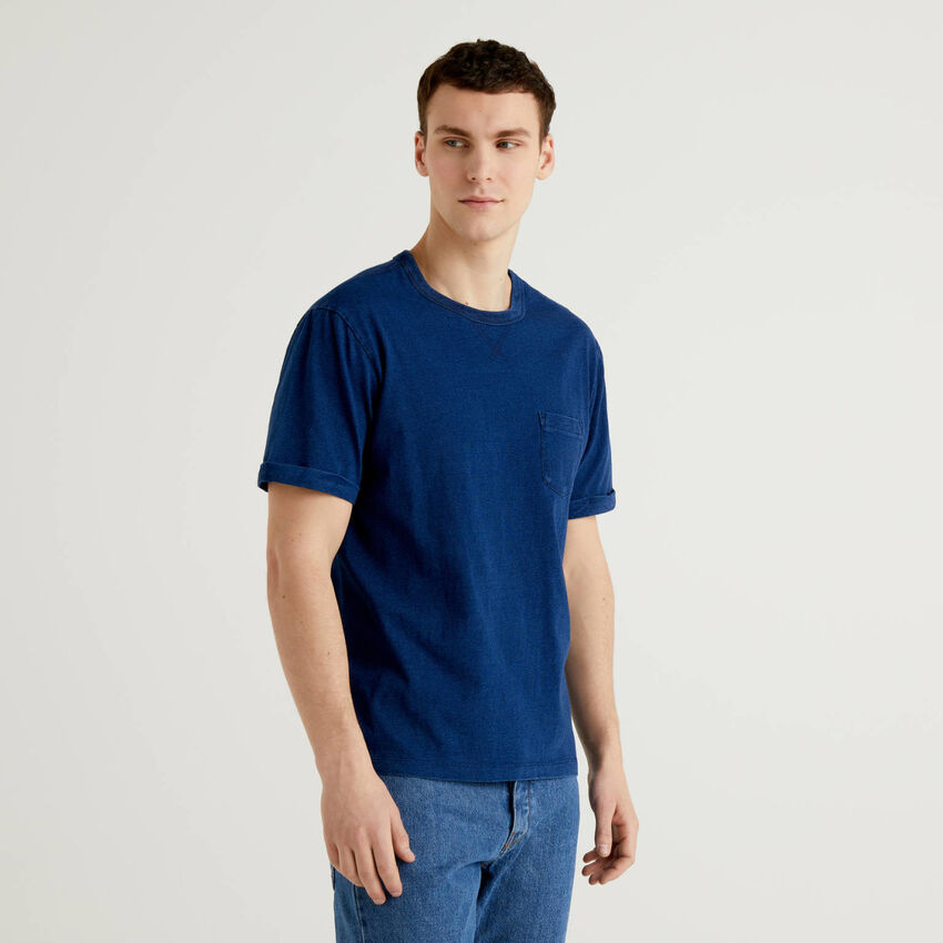 T-Shirt aus 100% Baumwolle mit Used-Effekt