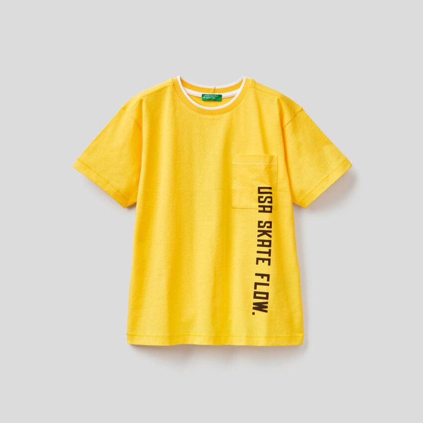T-Shirt mit kleiner Tasche
