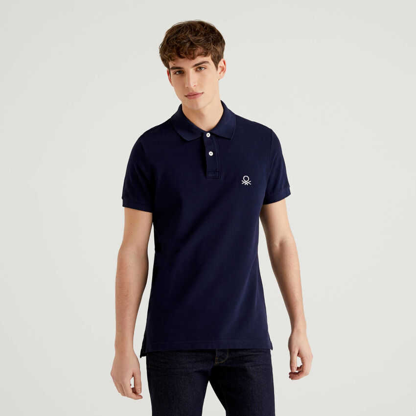 Dunkelblaues Slim-Fit-Polo