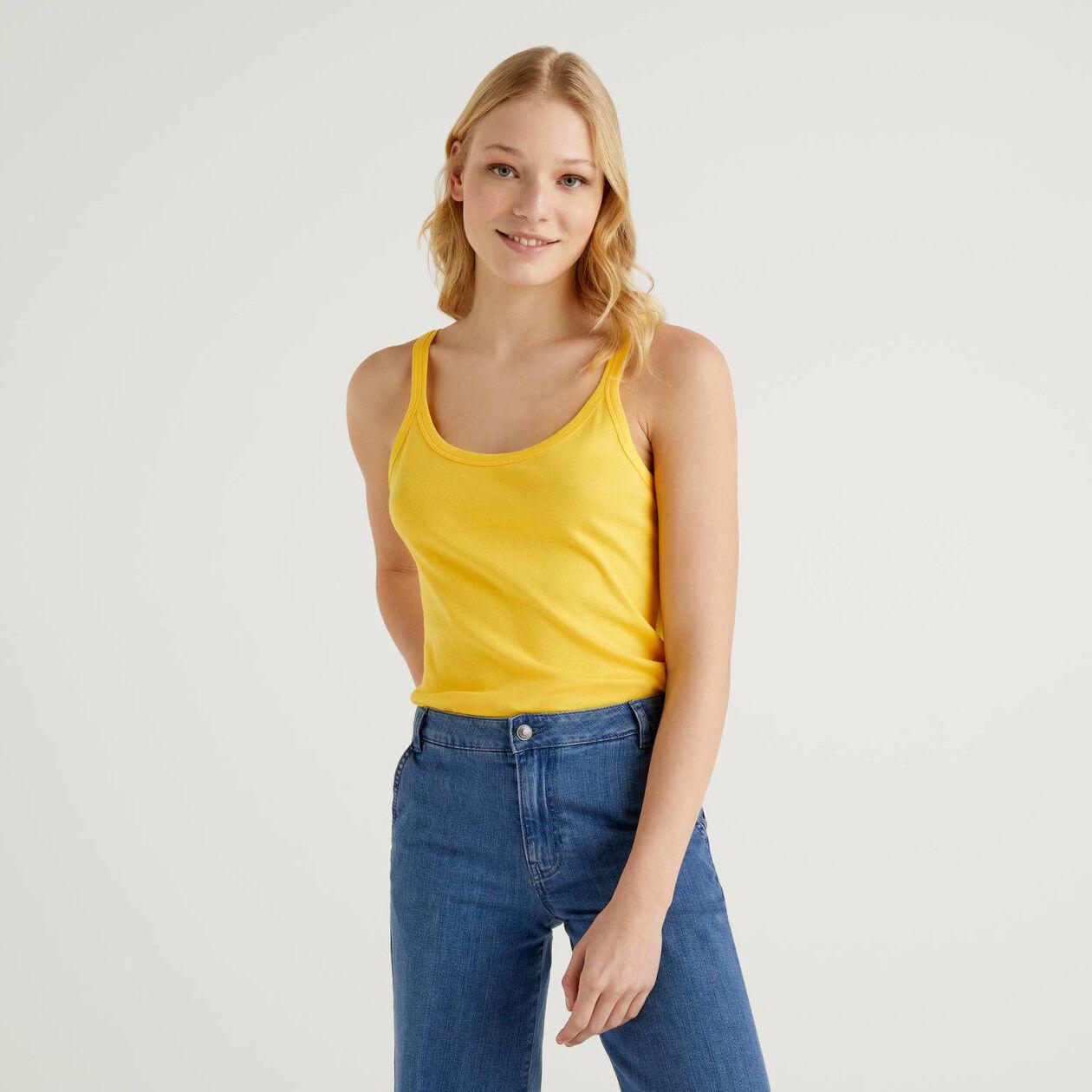 Gelbes Top aus reiner Baumwolle