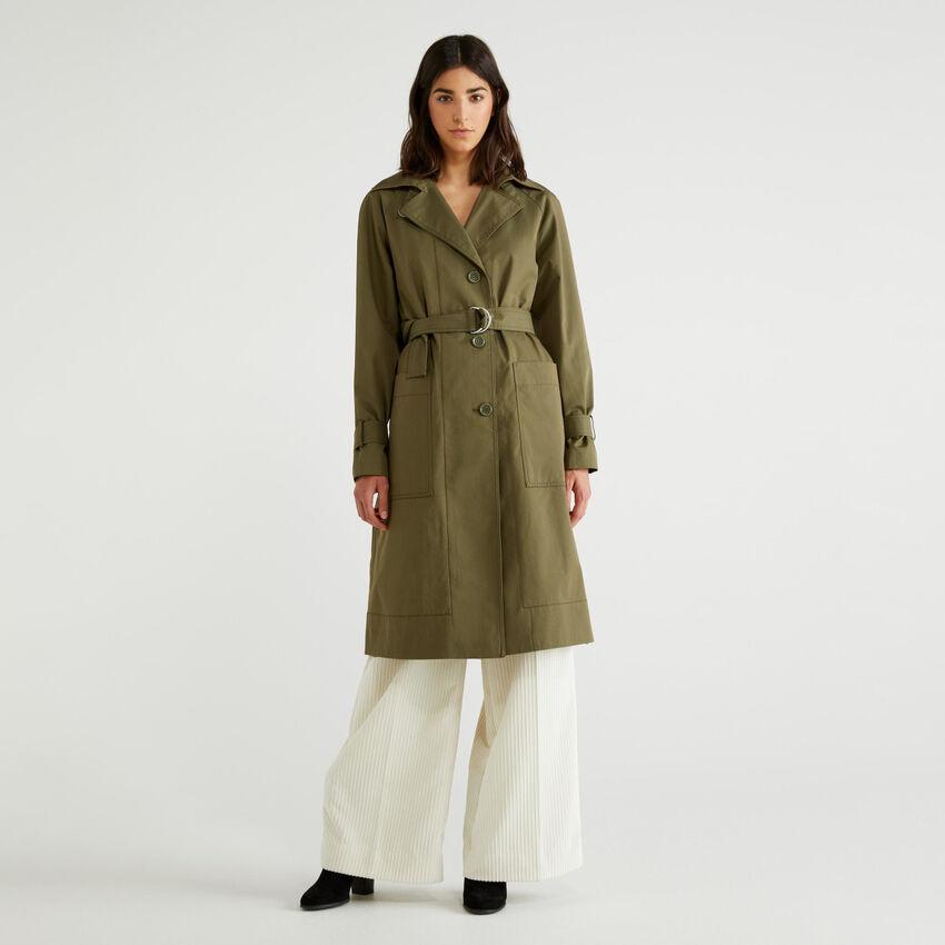 Langer Trenchcoat