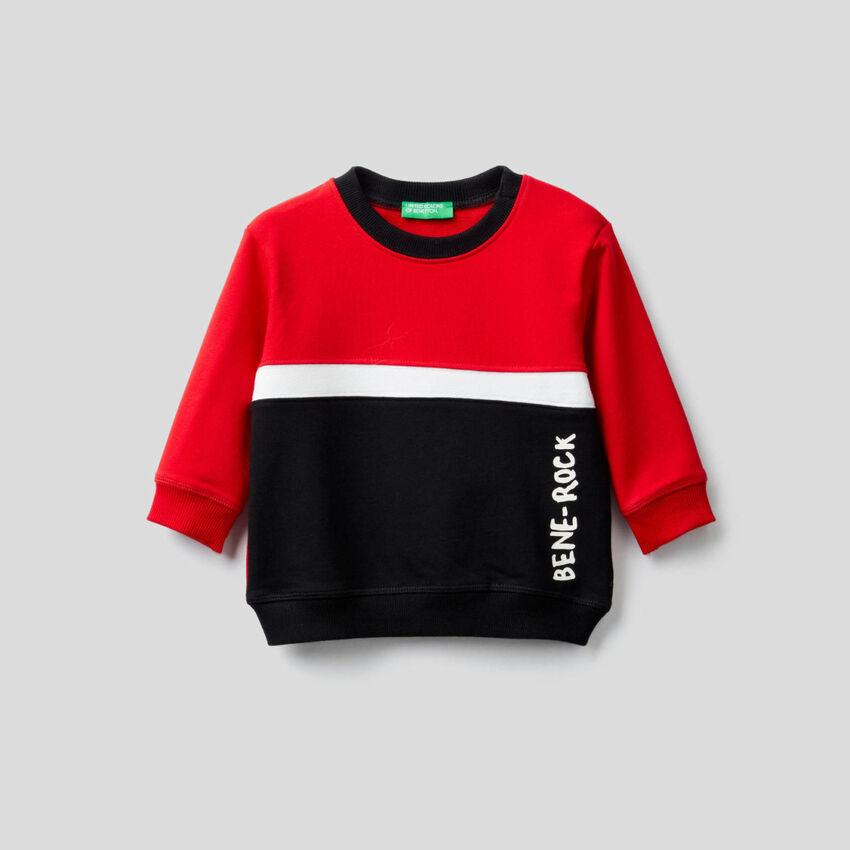 Sweatshirt aus stretchiger Bio-Baumwolle mit Farbblöcken