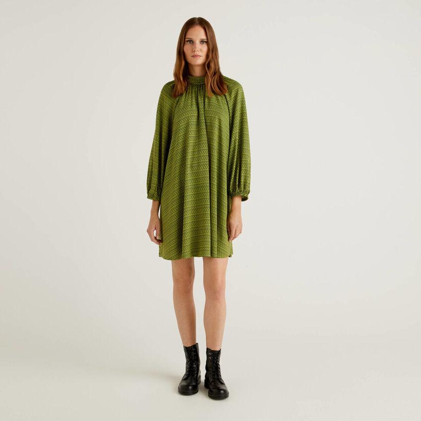 Kleid aus nachhaltiger Viskose mit Muster