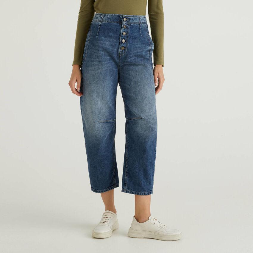 Slouchy-Jeans aus 100% Baumwolle