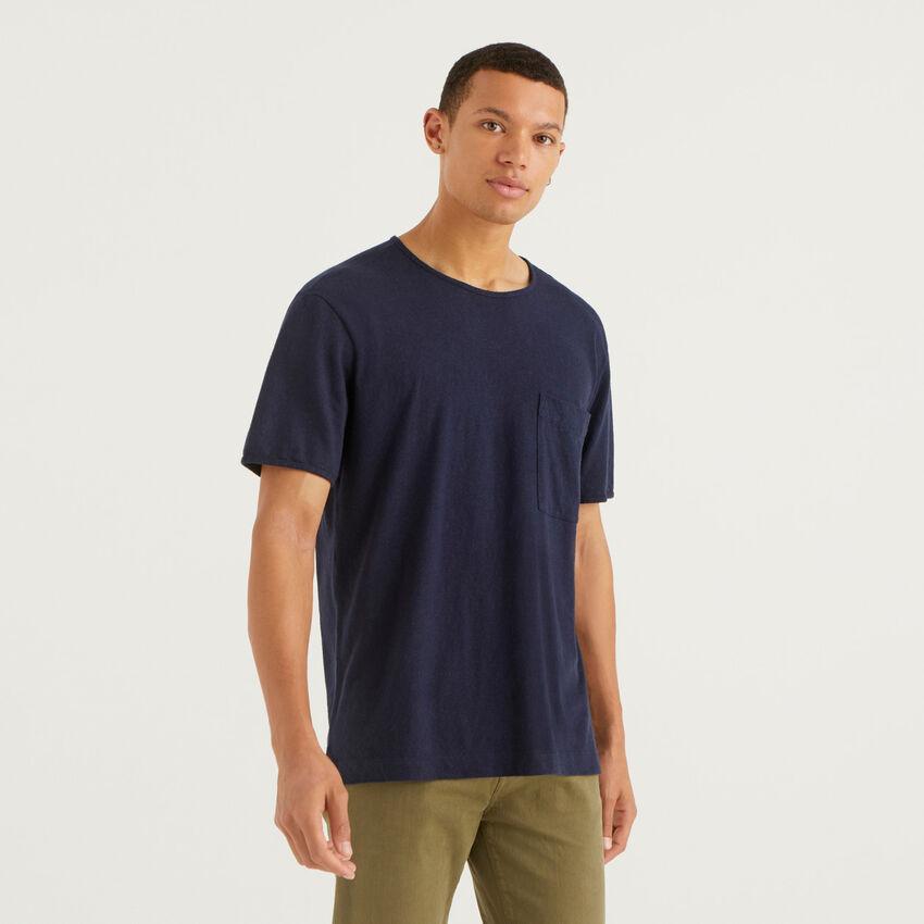 T-Shirt aus einer Leinenmischung mit kleiner Tasche