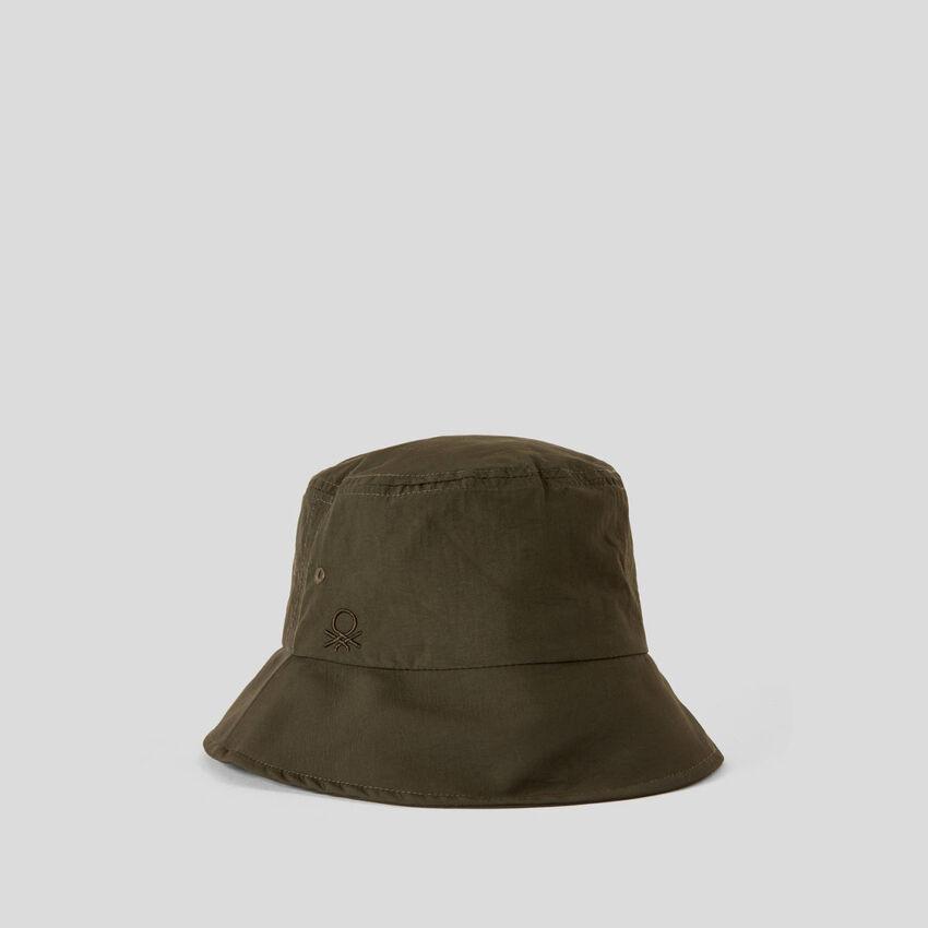 Mütze im Fischer-Stil