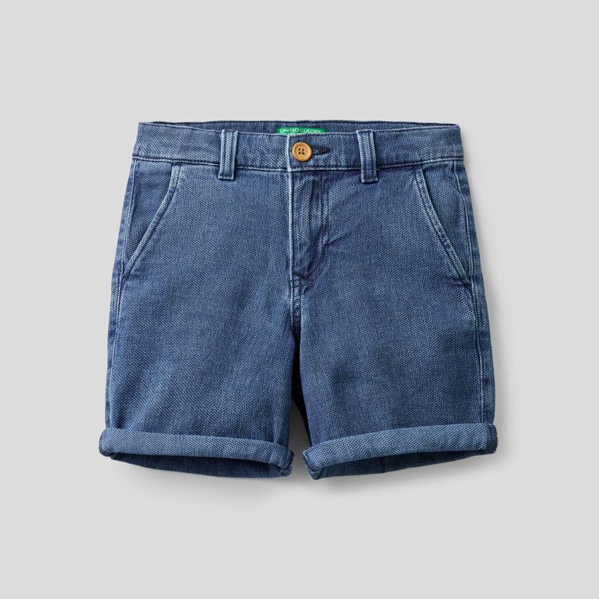 Shorts aus Denim in stretchiger Baumwolle