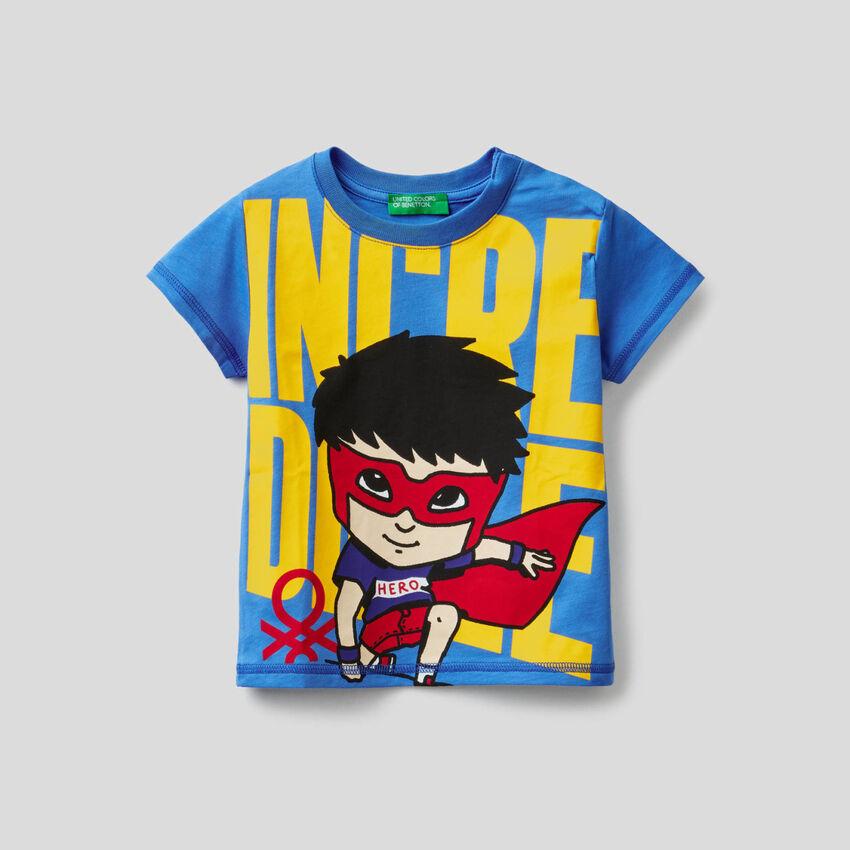 T-Shirt aus 100% Baumwolle mit Superheldenprint