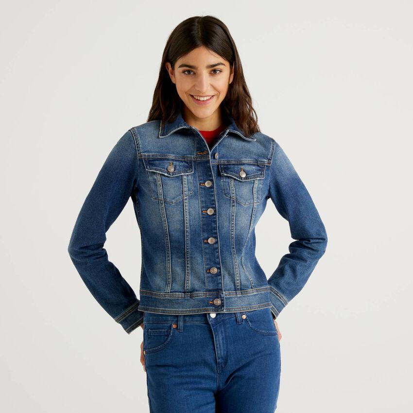 Taillierte Jeansjacke