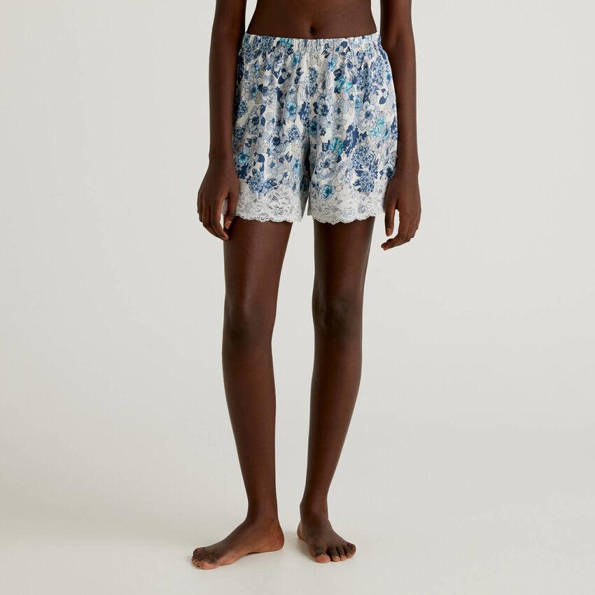 Florale Shorts mit elastischer Spitze