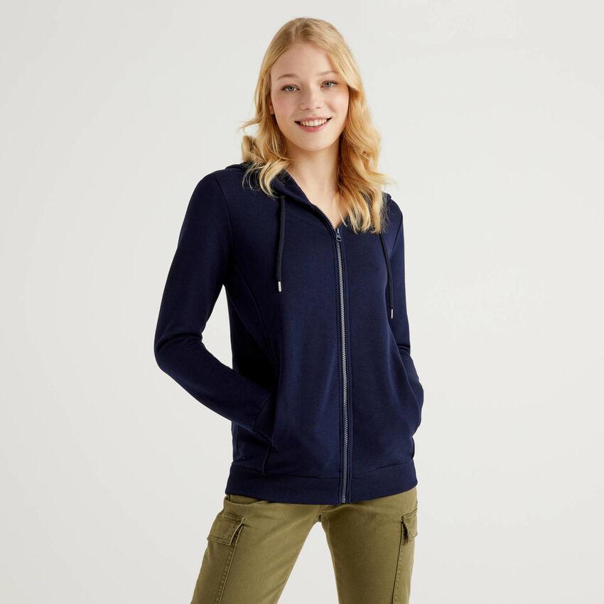 Sweatshirt aus 100% Baumwolle mit Reißverschluss und Kapuze