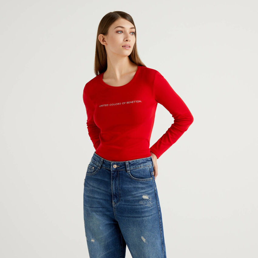 Rotes T-Shirt aus 100% Baumwolle mit langen Ärmeln