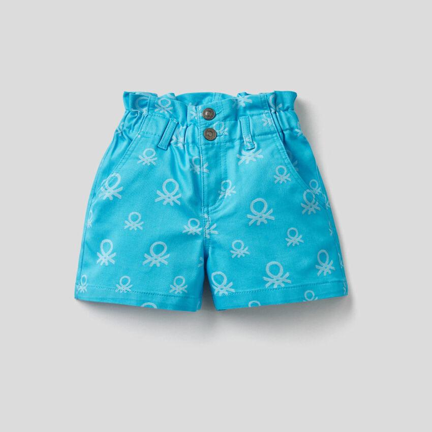 Shorts mit hohem Bund und Logo-Muster