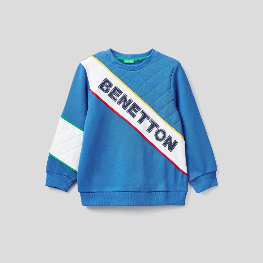 Buntes Sweatshirt mit Details im Lochmuster