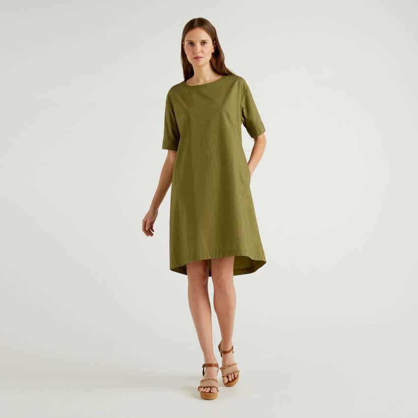 Weites Kleid aus 100% Baumwolle